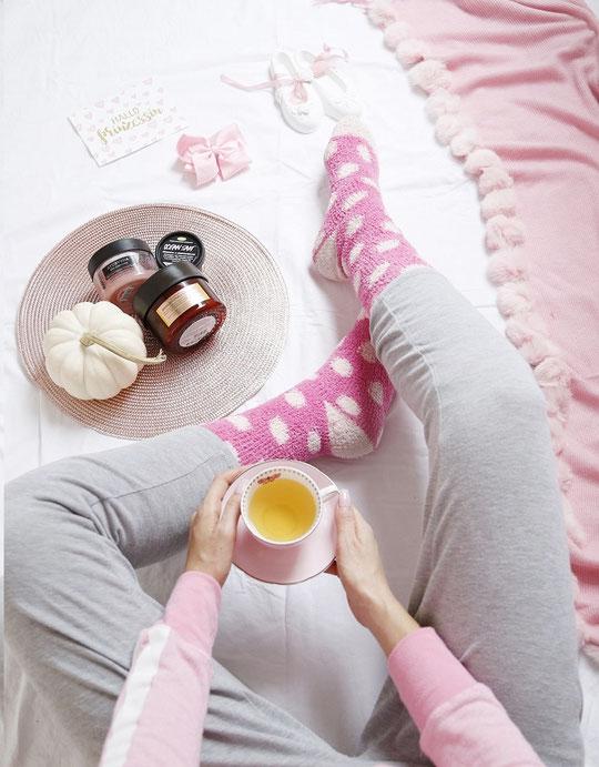 Die schöne Tea hat super Tipps gegen eingewachsene Haare. Na du weisst schon, die roten Punkte nach dem Epilieren/Rasieren? Jaja, genau! Nervig!!!