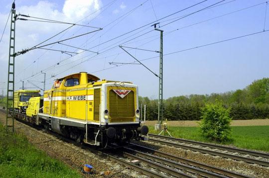 WIEBE Dieselok an der Baustelle kurz hinter dem Haltepunkt Illingen(Württ)am 03.05.2009.
