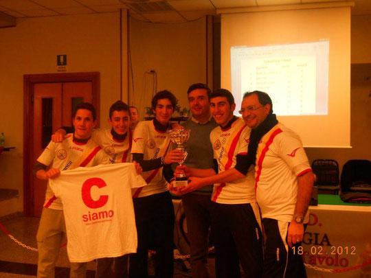 Da sinistra il quintetto vincente premiato dal presidente del Foggia, Pietrocola: Frollo, Mandanici, Torre, Sciacca e F. La Torre