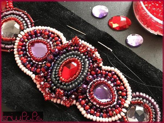 Perlenstickerei: Armband