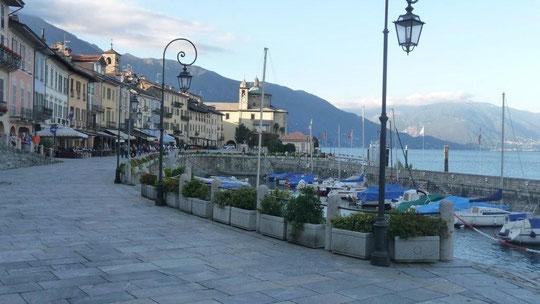 auf der Promenade in Cannobio