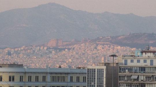 auf dem Oberdeck der Knossos Palace-Blick auf Athen
