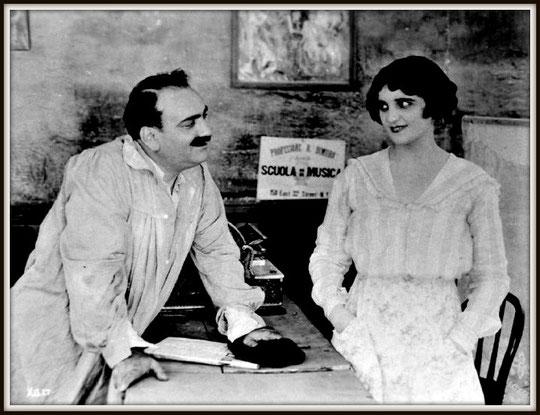 Una immagine dal film muto MY COUSIN (USA 1918)