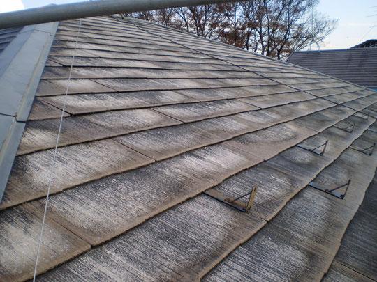 ↑コロニアル屋根高圧洗浄後の写真
