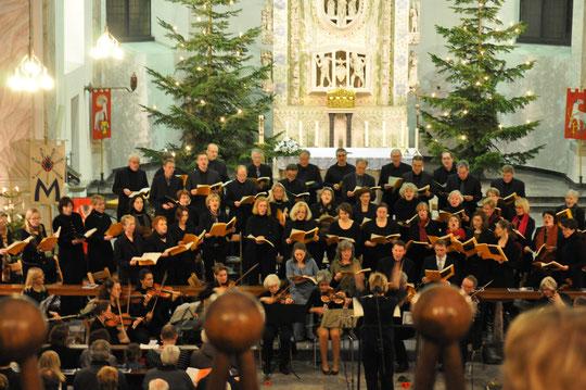 Weihnachtsoratorium von Carl H. Graun, 25. Dez. 2012, St. Adelheid Bonn; Foto: Gudrun Höfer