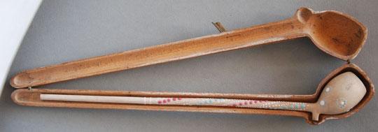 Fraai geemailleerd Gambier pijpje in houten foudraal