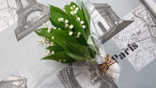 Un splendide bouquet maison de muguet pour la fête du muguet du 1er mai.