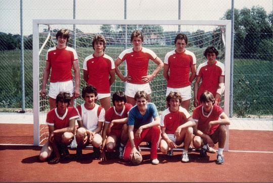 Ein Bild aus den 80er Jahren....ist es die damalige B-Jugend?