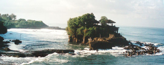 Der Felsentempel Tanah Lot