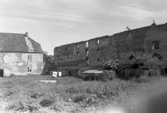 1987 г здание карвана