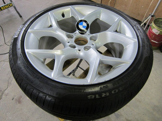 BMW X1 純正ホイールのガリ傷(キズ)のリペア前写真