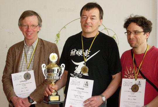 2.Platz Peter Hingley, 1. Platz Alexander Engelhardt, 5. Platz Oliver Orschiedt (3. Platz Erwachsene) (von links nach rechts)