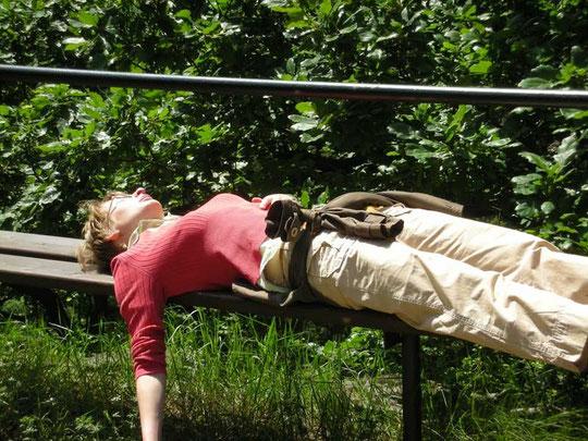 Eine müde Wanderin