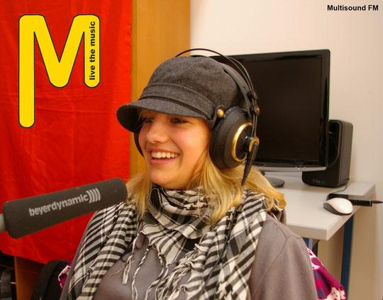 Sabrina beim Interview