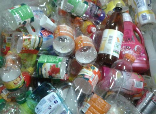 Kunststoff-Flaschen mit Verschluss