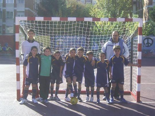 Raul entrenador, Raul, Pablo, Victor, Alvaro, Alex, Benito, Julito, Guillermo y Chema