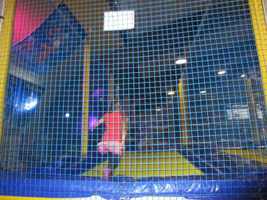 Zufriedene Prinzessin beim Hüpfen - alle anderen Bilder sind schrecklich verwackelt