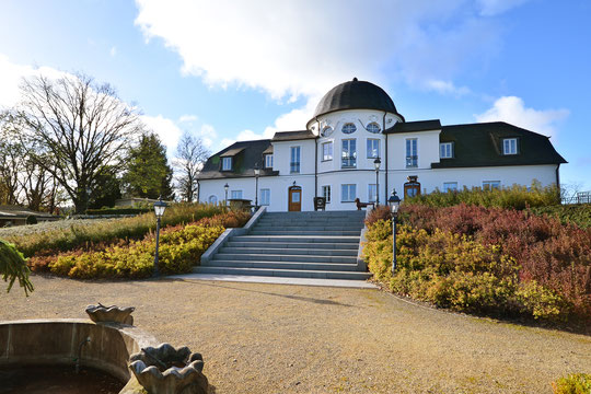 Unsere Ferienwohnungen befinden sich auf dem Gelände des Jagdschlosses Röhrkopf