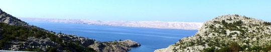 im Hintergrund die Insel PAG