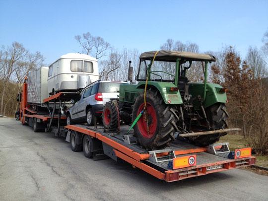 Transport von LKW, PKW, Schlepper, Baumaschinen