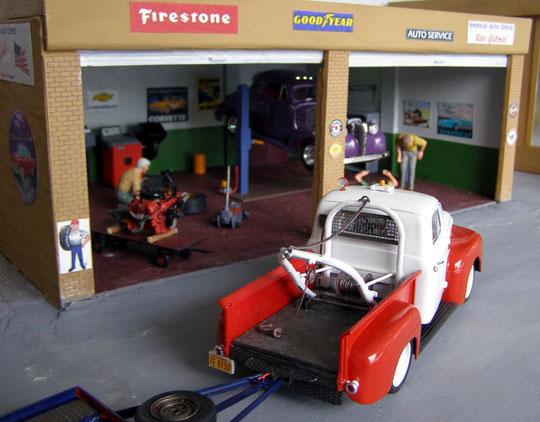 Abschleppwagen des Autocenter