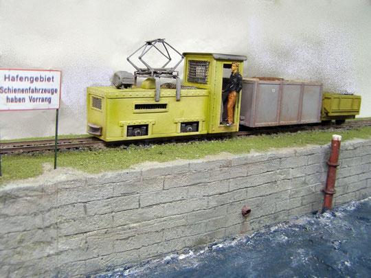 Werkbahn, vor 5 Jahren gebaut, aufgegleist