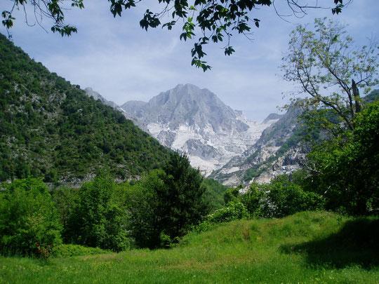Les carrières de marbre blanc de CARRARE (ITALIE)