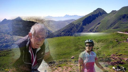 Christian et Sylvie au sommet de l'Aubisque.