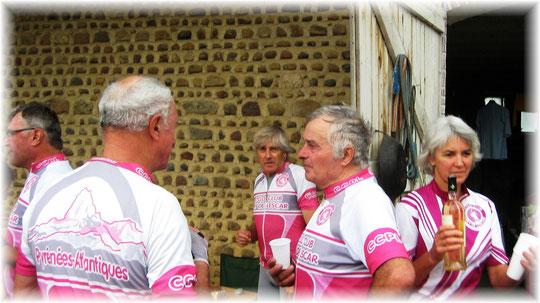 """Un grand MERCI à Yves, Anne et leur si chaleureux accueil dans leurs """"ranch"""" de Serres-Castet..."""