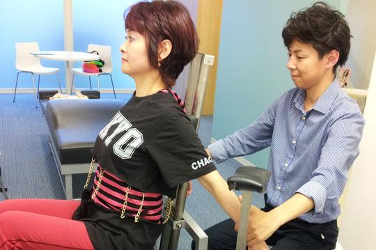 奈良県葛城市の背中の痛み専門整体法