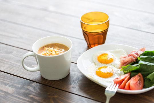 頸椎ヘルニアに効果的な食事と栄養