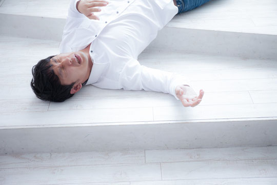 腰が痛くて足がつりやすい奈良県御所市の男性