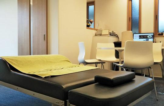 腰痛、肩こり専門治療ベッド