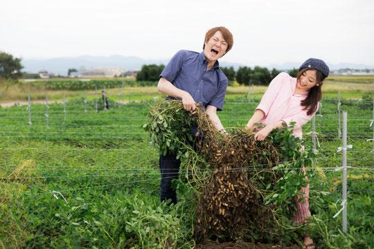 畑仕事の後の腰痛に悩む奈良県広陵町の男性