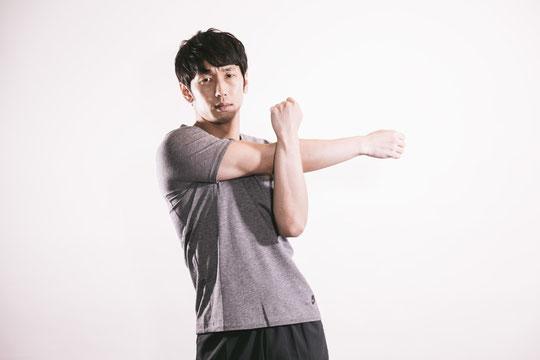 運動不足で首が痛い奈良県大和高田市の男性