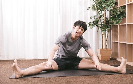 股関節が硬くて腰痛が治らない奈良県香芝市の男性