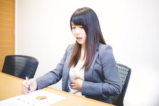 胃痛で首が痛い奈良県葛城市の女性