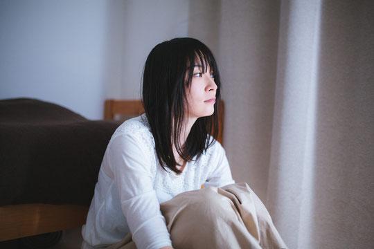 じっとしてても腰椎椎間板ヘルニアで腰が痛い奈良県大和高田市の女性