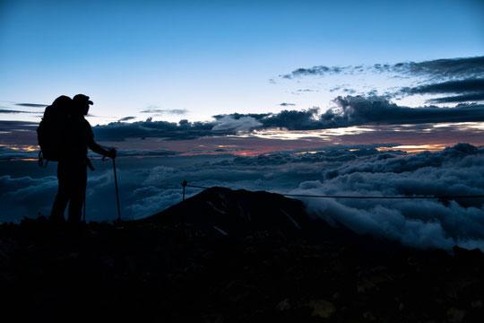 登山で腰が痛くなる原因とその対策方法