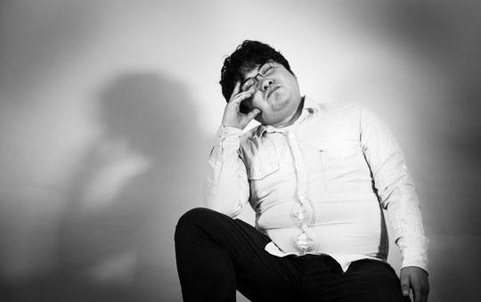 床に座ると腰が痛い奈良県大和高田市の男性