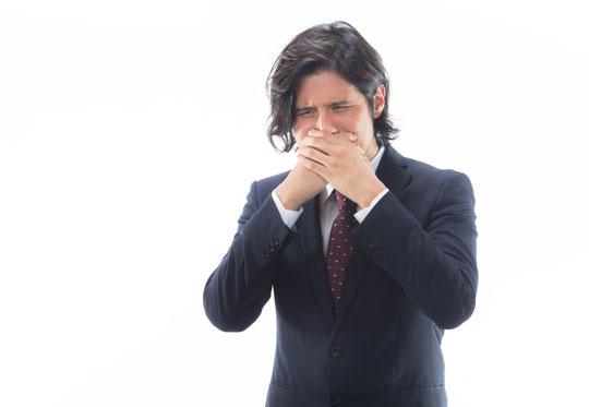 腰椎椎間板ヘルニアで嘔吐した奈良県葛城市の男性