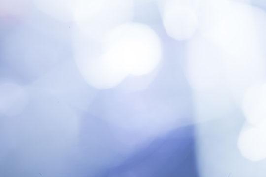 腰痛で冷えピタを貼る奈良県御所市の女性