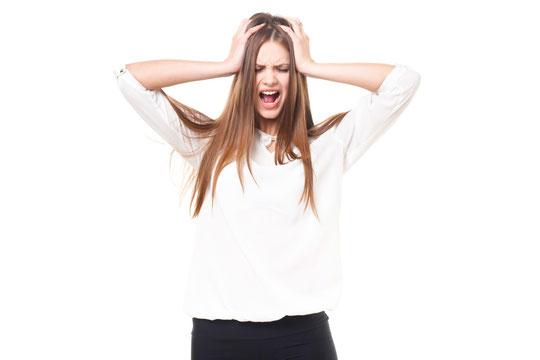 頚椎ヘルニアで後頭部が痛い奈良県大和高田市の女性