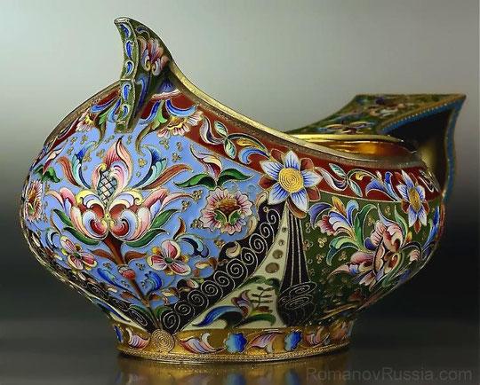 Мария Семенова. Ковш, перегородчатая эмаль. Москва, между 1908 и 1917 гг.