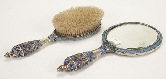 Антип Кузьмичев. Зеркало и щетка для волос. Серебро, эмаль 1890 г.