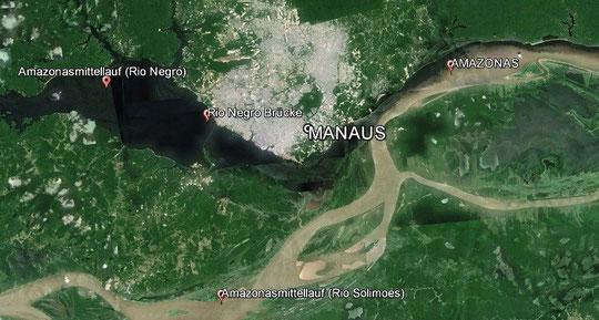 Manaus Zusammentreffen der Flüsse Rio Negro und Rio Solimoes zum Amazonas