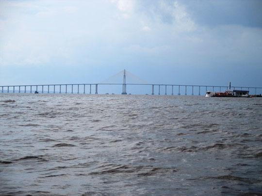 Rio Negro Brücke bei Manaus, einzige Brücke über dem Amazonas