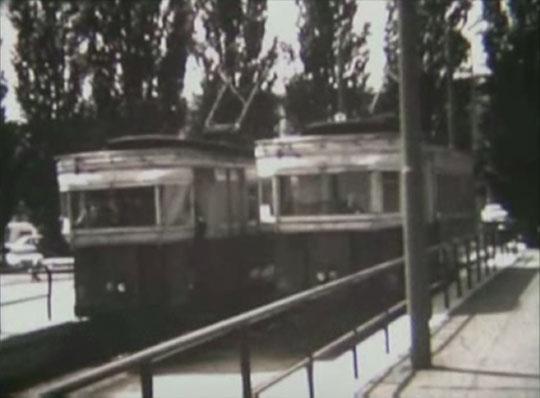 devant la gare de Laon