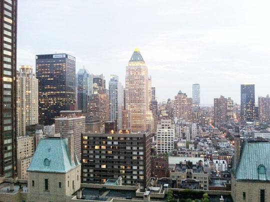 夜の7時頃。ニューヨークのこの色が好きだった。