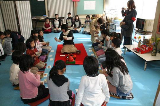 地域と児童の交流活動 土曜講座・お作法教室